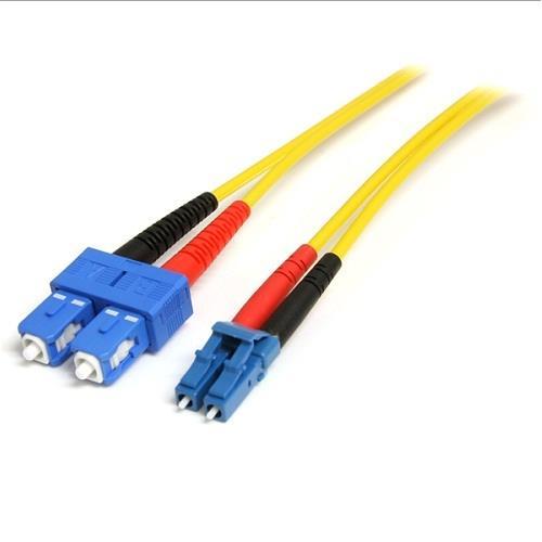 StarTech com 10m Fiber Optic Cable - Single-Mode Duplex 9/125 - LSZH -  LC/SC - OS1 - LC to SC Fiber Patch Cable (SMFIBLCSC10)