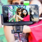 "Emerge Technologies iPhone 4/5/5s/6 4.7"" & Samsung Galaxy S III/4 Selfie Stick ETSELFIE"