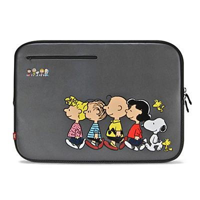 jWIN Electronics Snoopy Sleeve Sleeve for Macbook Pro 15
